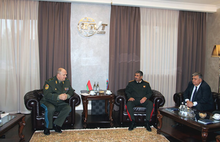 The head of the State Committee for Defense Industry and the head of the Azerbaijani defense ministry discussed topical issues of military-technical cooperation