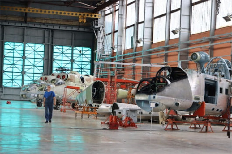 Orsha Aircraft Repair Plant has brought another overhauled Mi-24 back into Army service